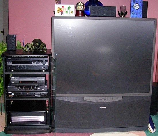 Jordan's Quiet DampTek'd Home Theater PC