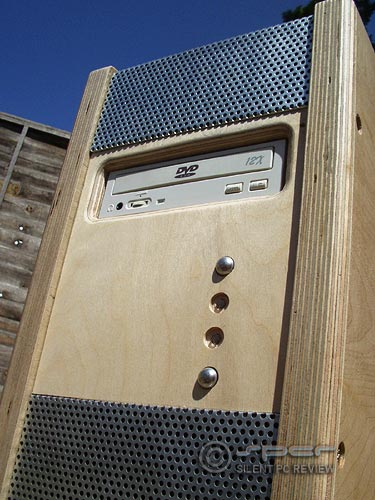 Bill's Recycled, Fanless, Silent Woodbox Computer
